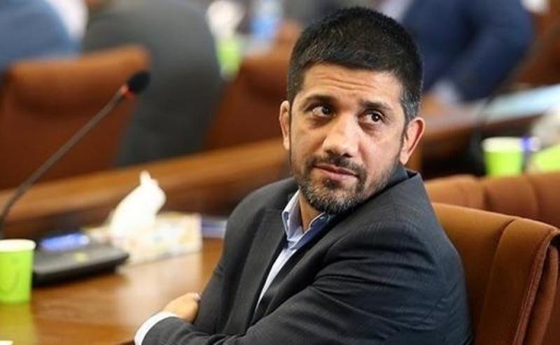 دبیر حکم ریاست هیات کشتی مازندران را به محمدیان اهدا کرد
