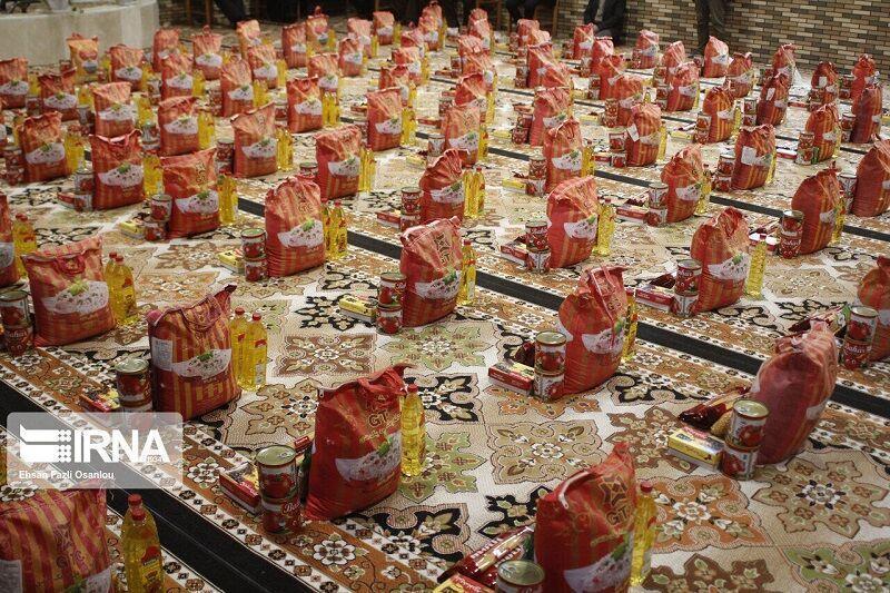 خبرنگاران توزیع سه هزار بسته معیشتی به نیازمندان آستارا شروع شد
