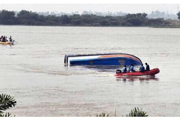واژگونی قایق در نیجریه جان 18 سرنشین را گرفت